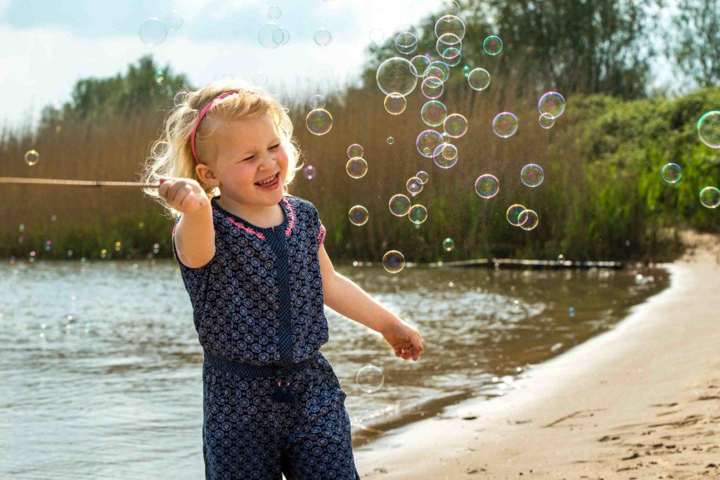 foto van spelend kind